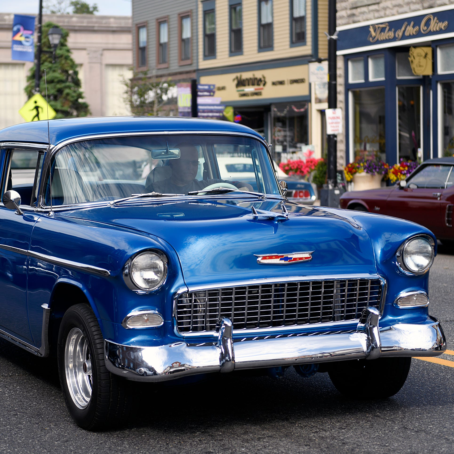 Classic cars shine during Cruisin' Main Street event