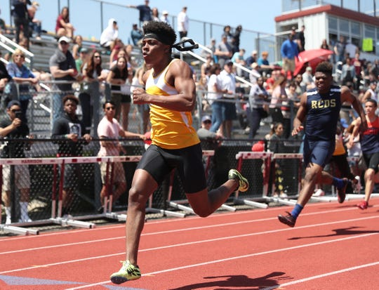 Ardsley's Jalen Osborne wins the 100-meter dash with a 10.62 time in the Westchester County Track & Field Championships at Harrison High School in Harrison on Saturday, May 18, 2019.