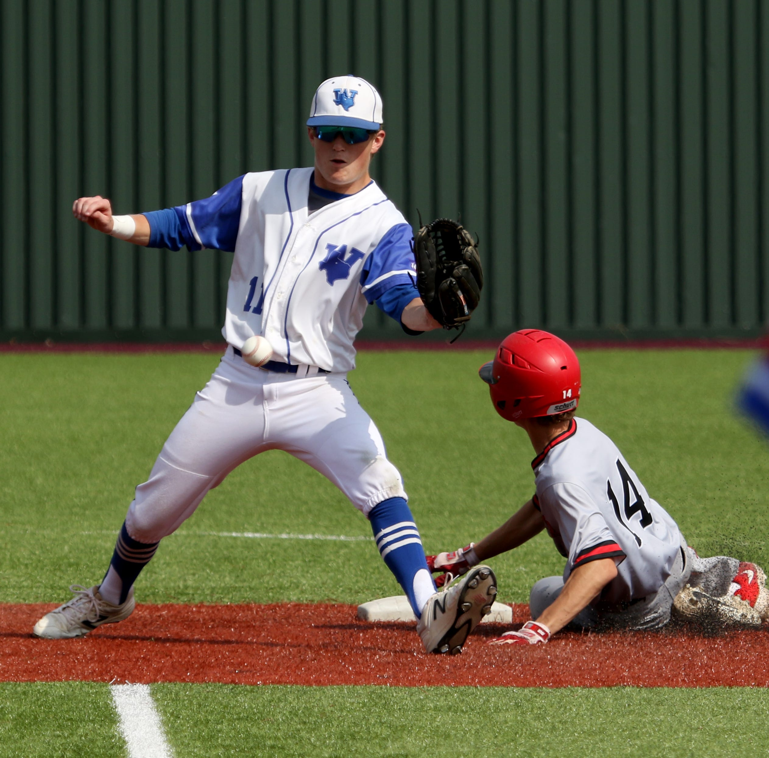 Windthorst battles back to force Game 3 against Muenster