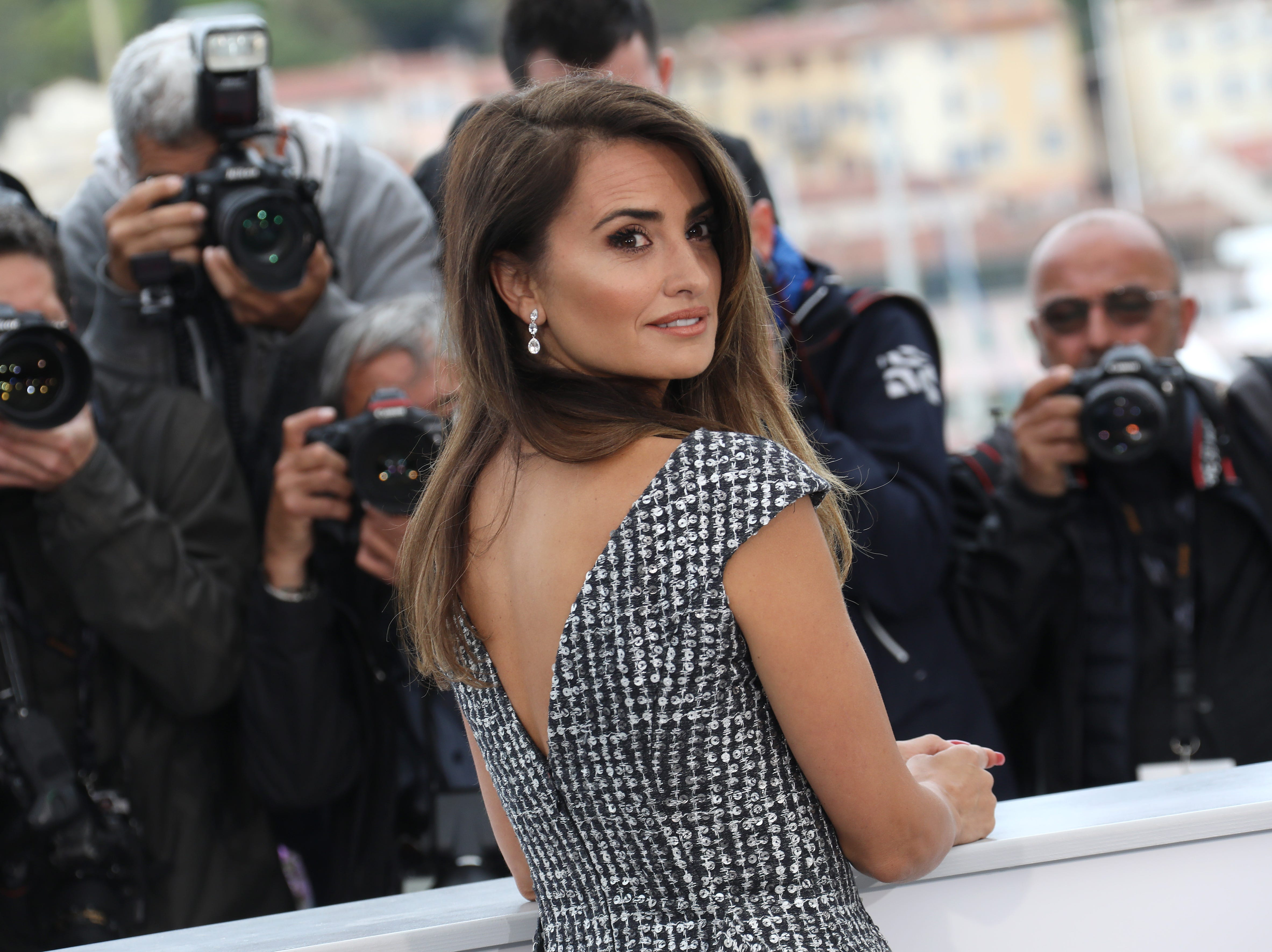 """Penelope Cruz attends the photocall for """"Pain And Glory (Dolor Y Gloria/ Douleur Et Glorie)"""" during the 72nd annual Cannes Film Festival on May 18, 2019 in Cannes, France."""