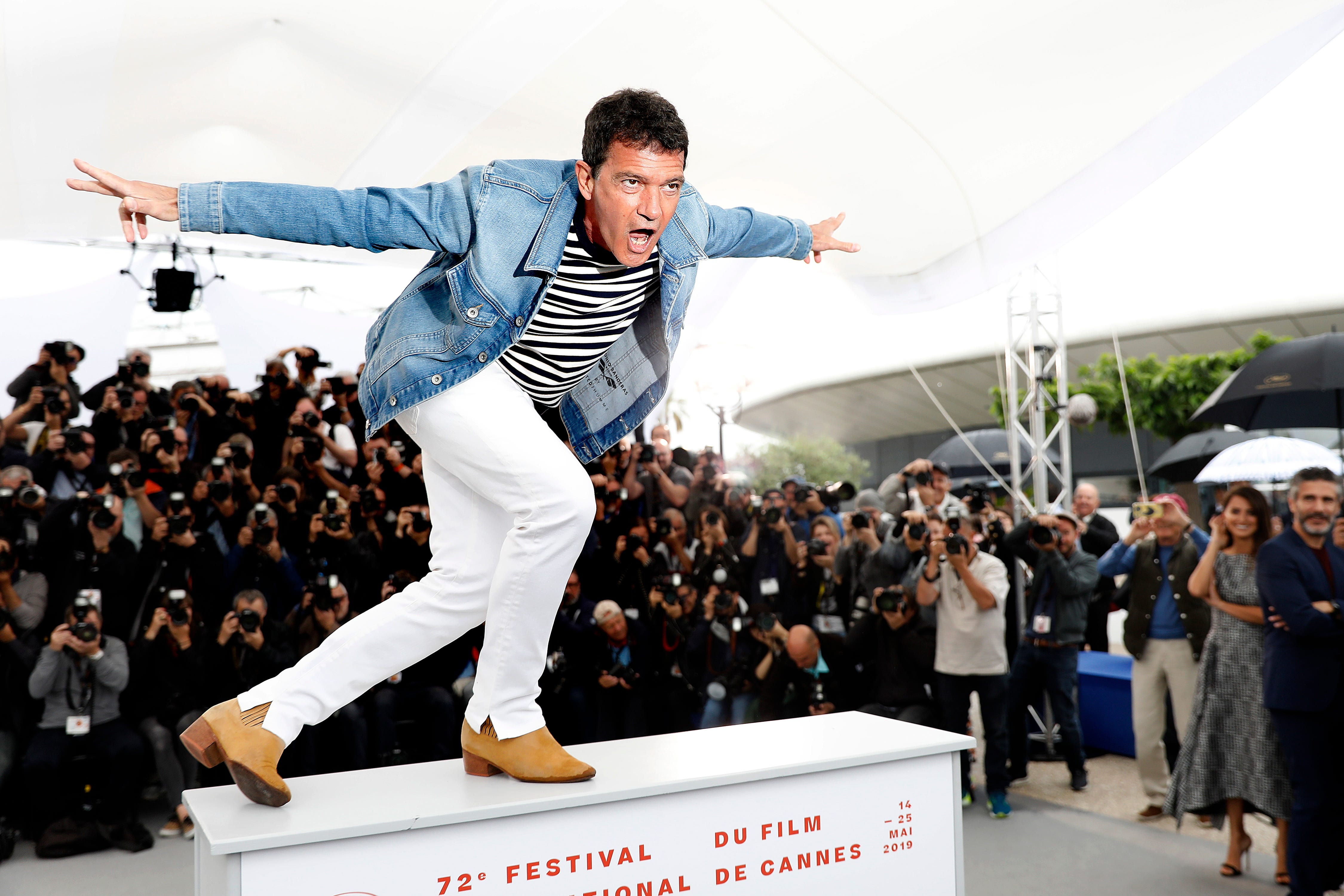 Spanish actor Antonio Banderas poses during the photocall for 'Dolor y Gloria' (Pain and Glory) at the 72nd annual Cannes Film Festival, in Cannes, France on May 18, 2019.