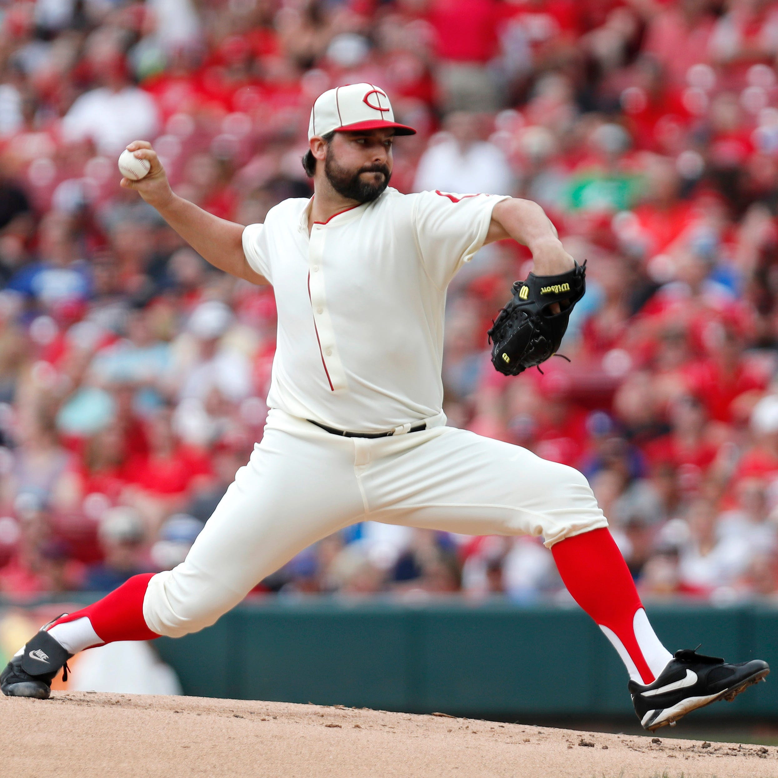 Tanner Roark expresses frustration about early hook in Reds loss to Dodgers