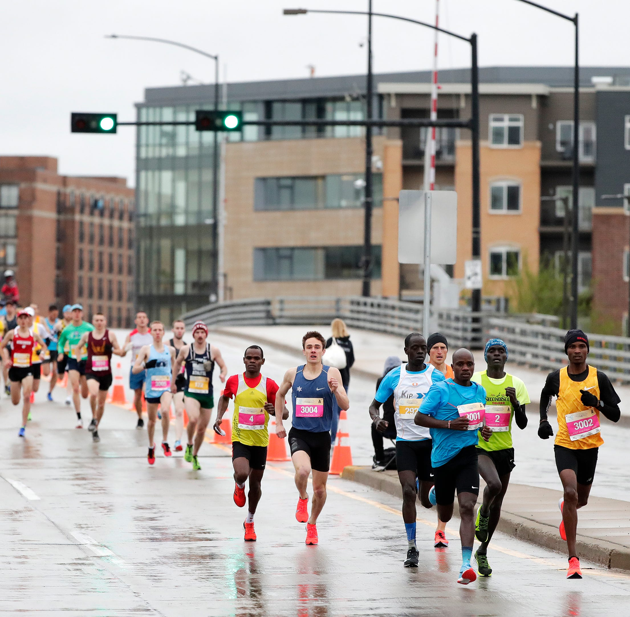 Show must go on for Cellcom Green Bay Marathon runners, organizers