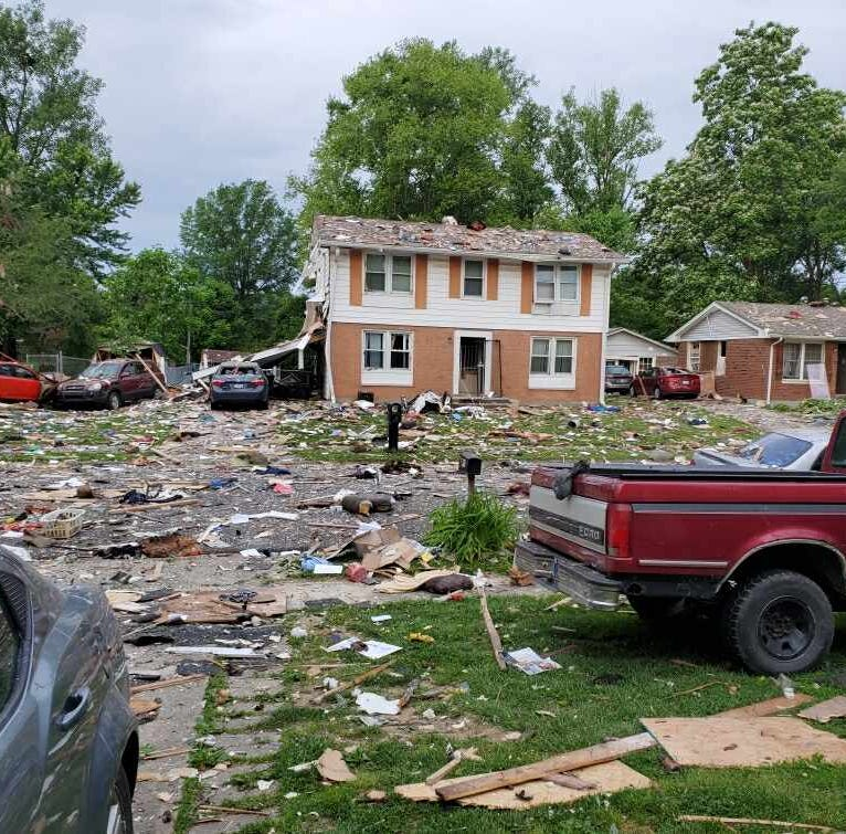 Home explosion rocks Jeffersonville neighborhood, leaves 1 person dead