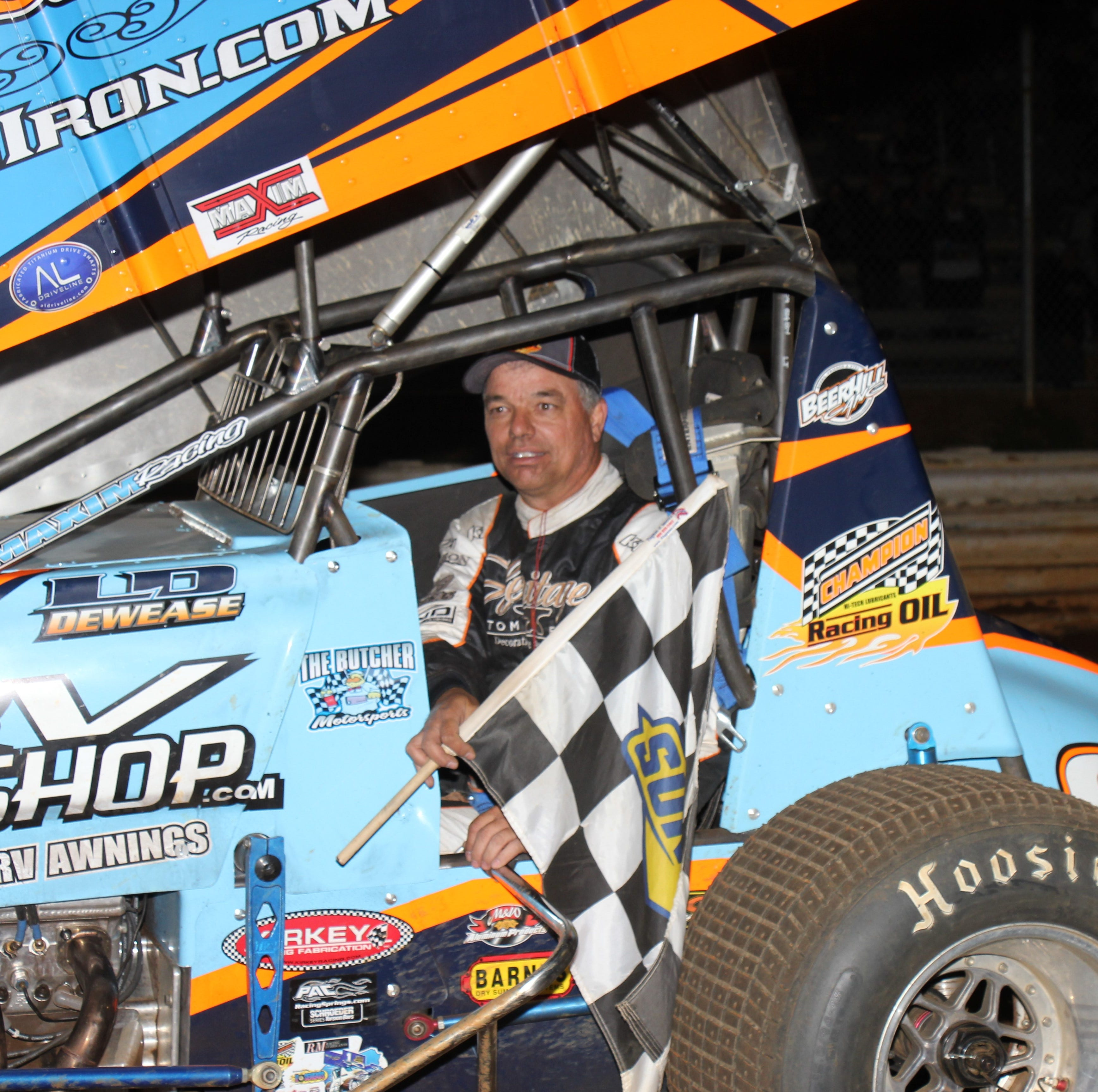 DIRT-TRACK RACING: Lance Dewease beats Outlaws, wins $17,000 top prize at Williams Grove