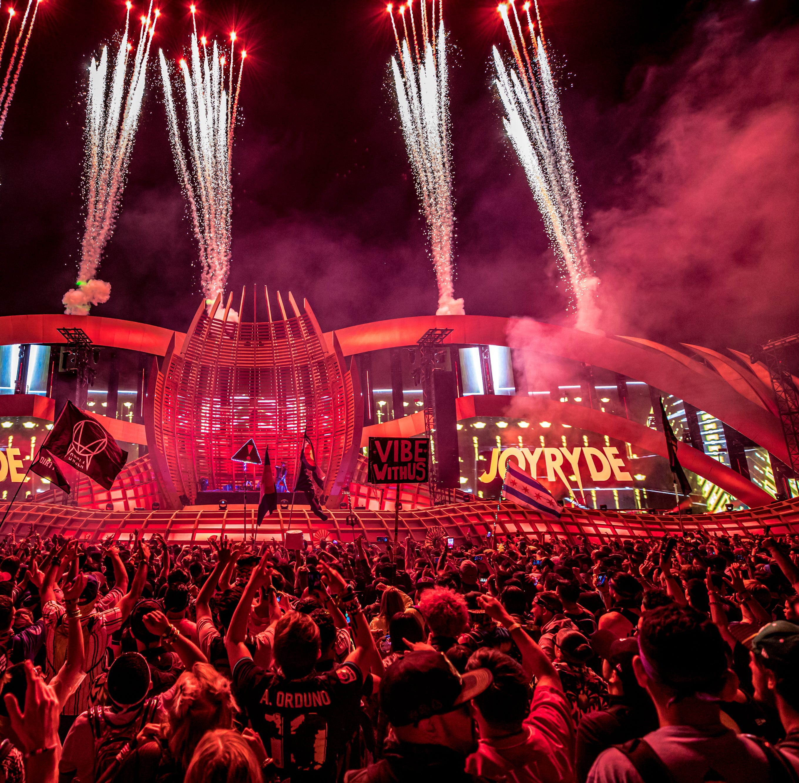 Enjoy the show! Watch the Electric Daisy Carnival 2019 Sunday live streams here!