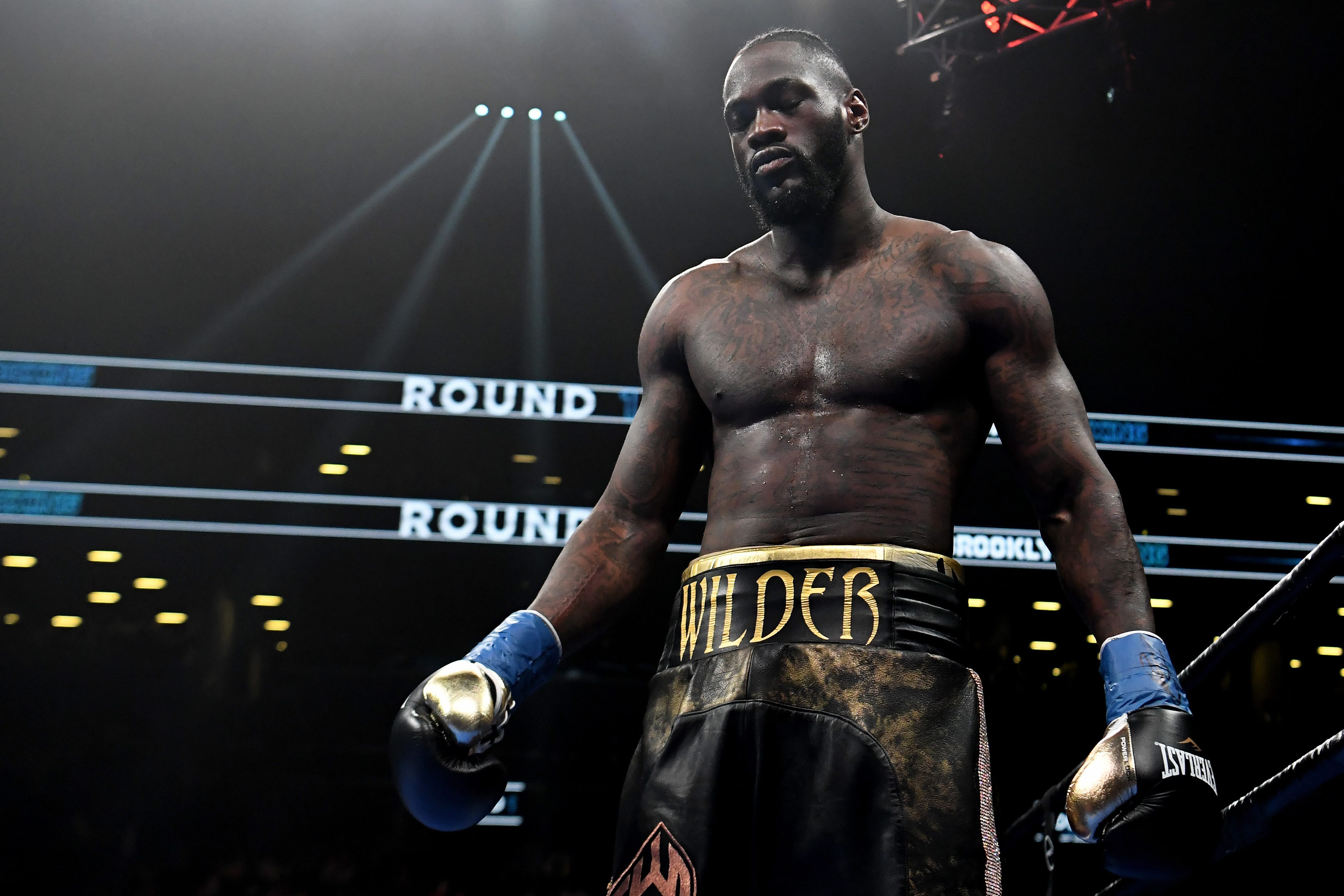 Deontay Wilder KOs Dominic Breazeale in first round to defend heavyweight belt