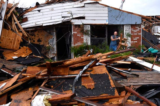 USA's wild weather to continue with hail, wind and tornadoes