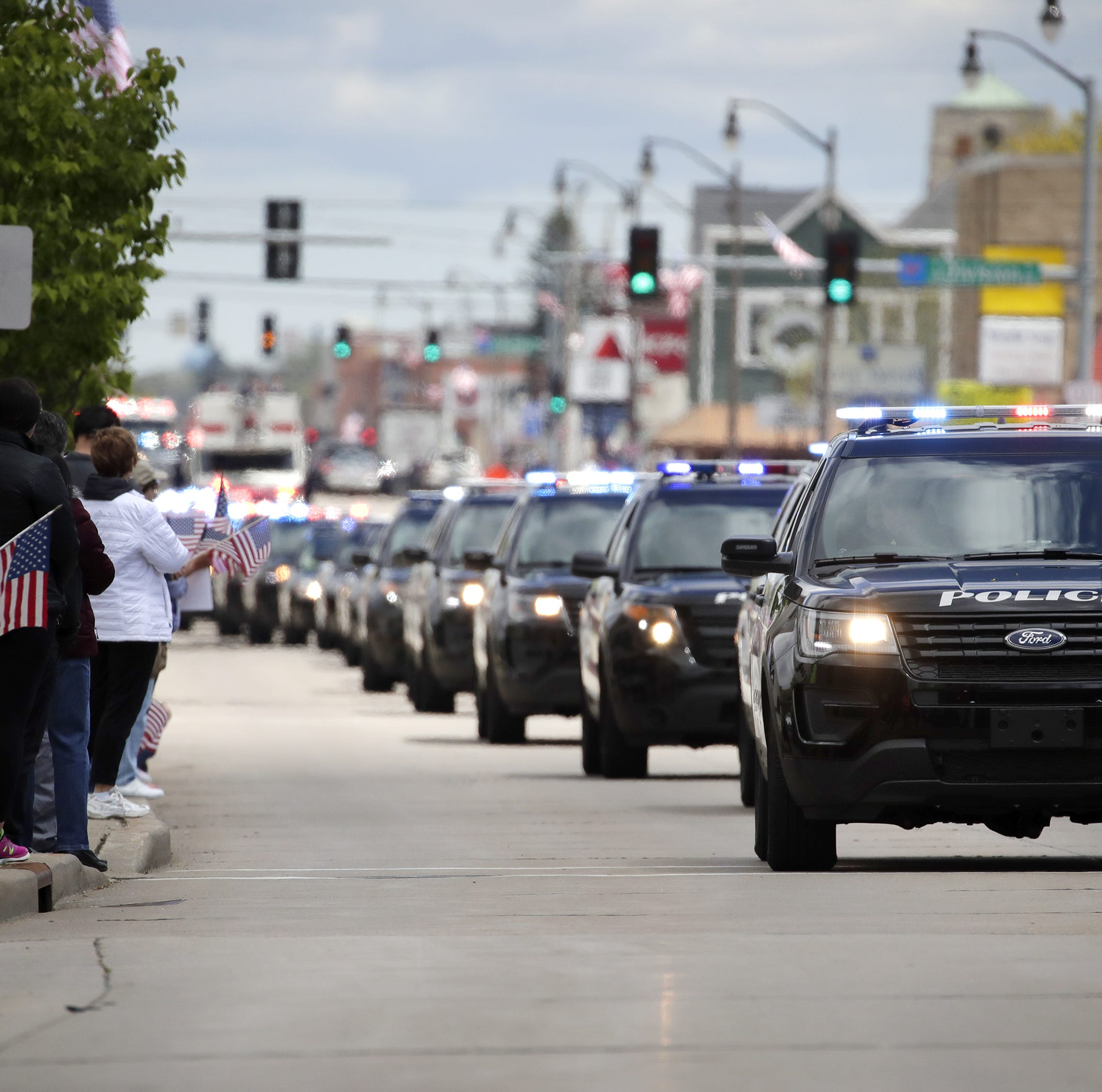 Who handled Appleton police, fire calls during firefighter's funeral? 10 other Wisconsin units