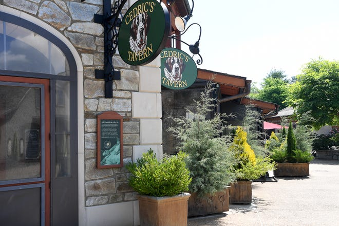 Cedric's Tavern on the Biltmore Estate serves a mix of pub-style food as well as American and global cuisine seven days a week. The tavern also features ingredients that come straight from the estate.