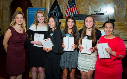 Comcast awards scholarships to high school seniors across