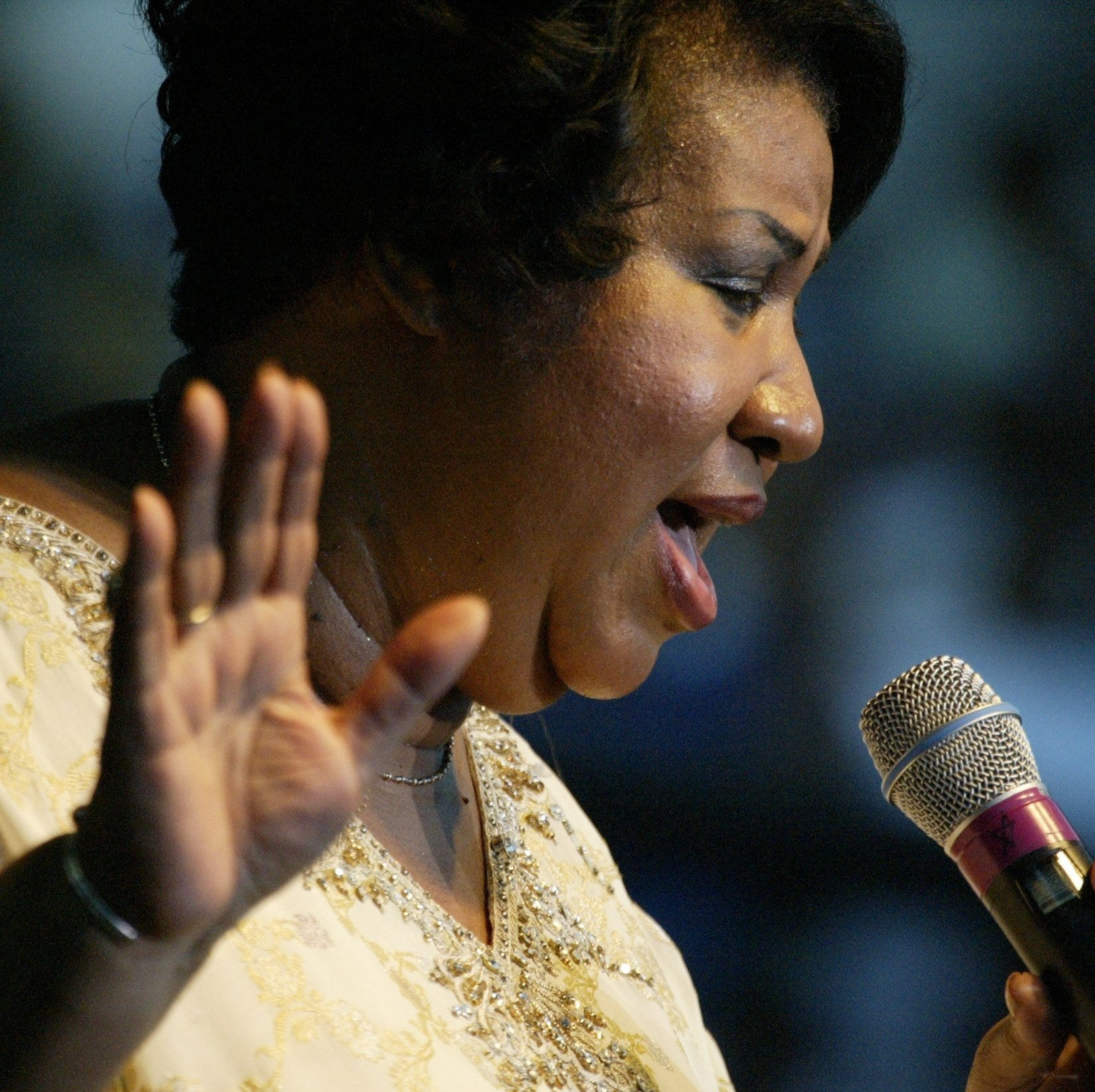 3 handwritten wills found in Aretha Franklin's home, lawyer says