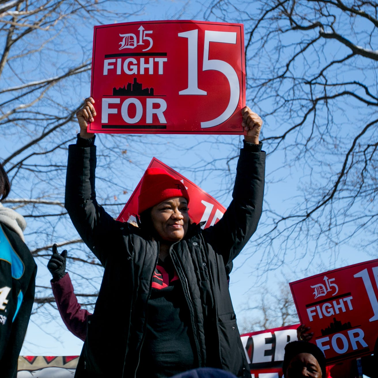 $15 minimum wage becomes part of 2020 presidential landscape