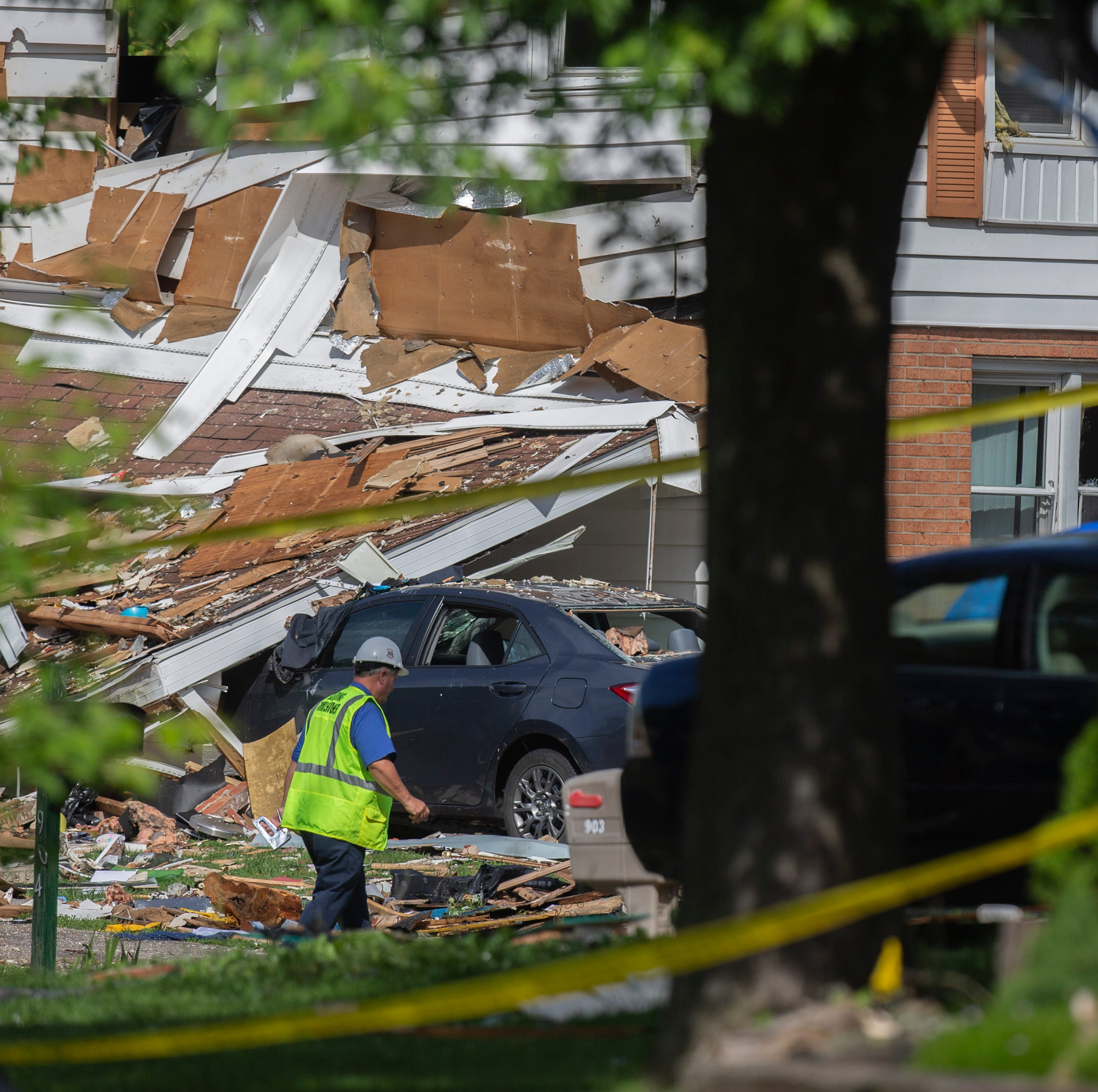 Stunned and sleepless, neighbors return to scene of deadly Jeffersonville home explosion