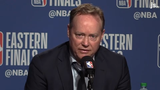 Bucks head coach Mike Budenholzer discusses Khris Middleton's guarding of Kawhi Leonard and his offensive performance in Game 3 against the Raptors.