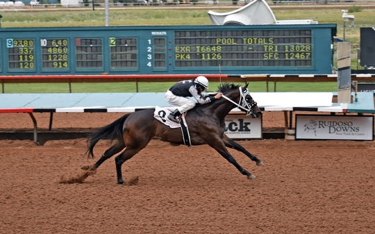 Valiant Tiberius at Ruidoso Downs Race Track Maiden Stakes.