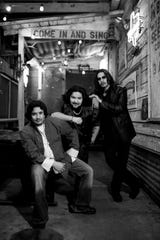 Los Lonely Boys.