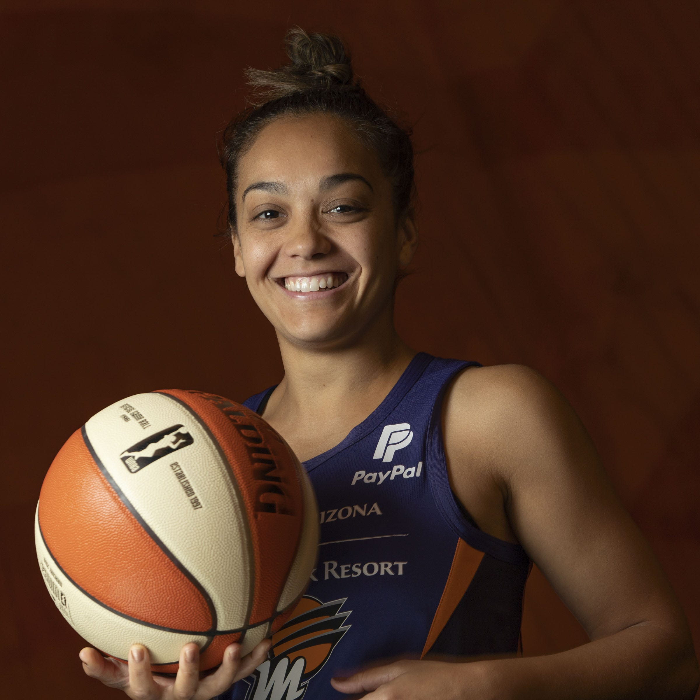 Phoenix Mercury cut Leilani Mitchell, keep four draft picks on opening season roster