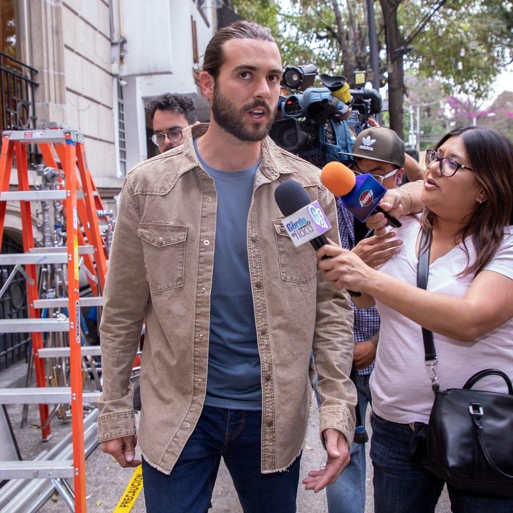 Pablo Lyle pide permiso para viajar a México para ver a su padre enfermo