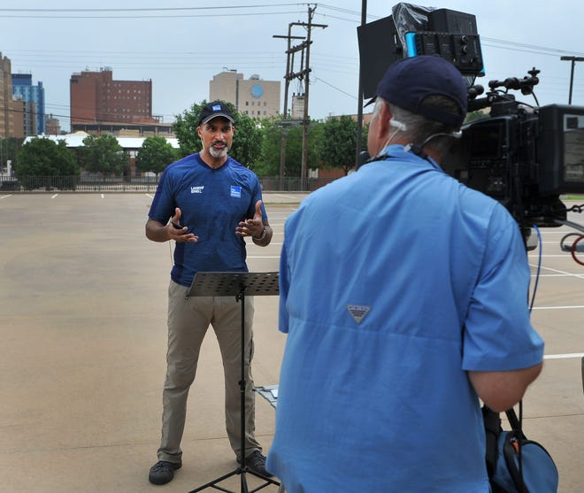 Weather Channel meteorologist, Paul Goodloe broadcasted his north Texas weather forecast from downtown Wichita Falls, Monday morning. Wichita Falls and its surrounding area was placed in a dangerous situation for severe weather and tornadic activity for Monday into Tuesday.