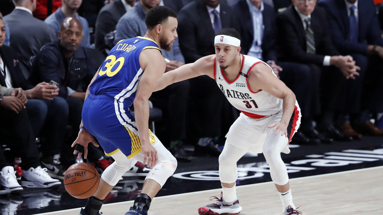 7e4ff9a6e24 NBA playoffs: Steph Curry gets mojo back, Seth Curry steps out of shadow