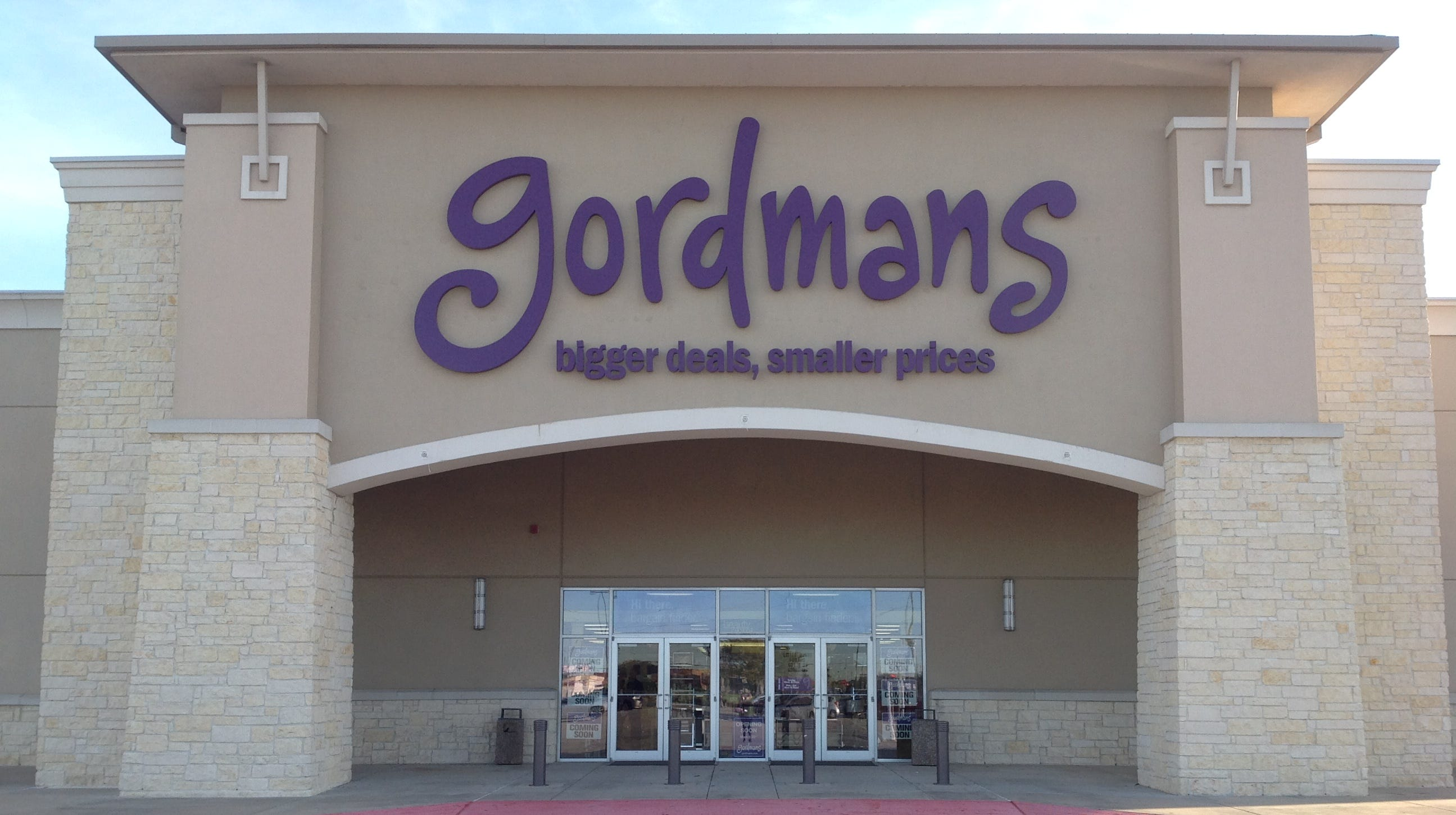 Gordmans is holding a 'grand opening' for its Des Moines stores — and is giving away free gift cards