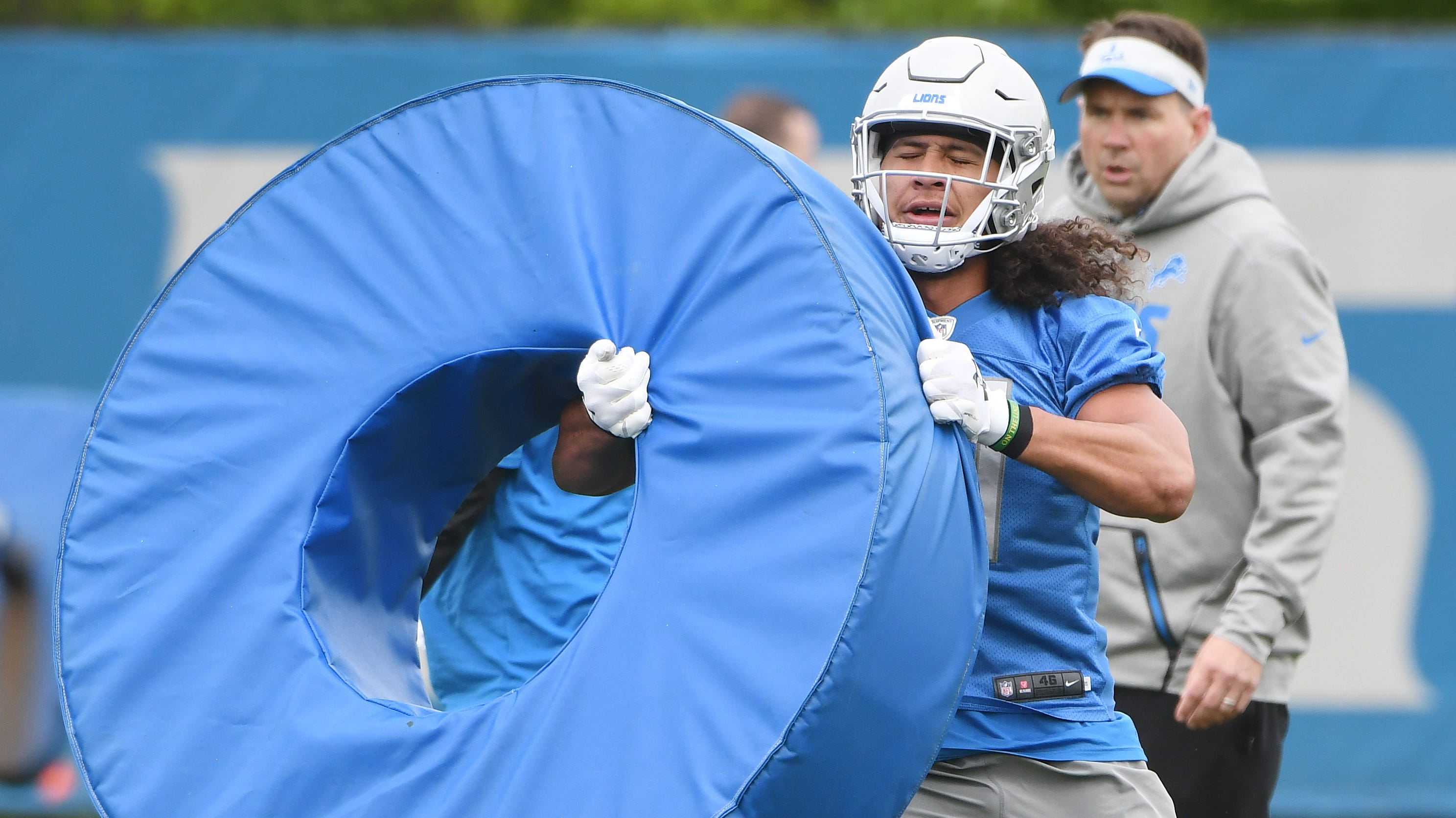 Lions rookie linebacker Jahlani Tavai ignores opinions of 'goats' over draft pick
