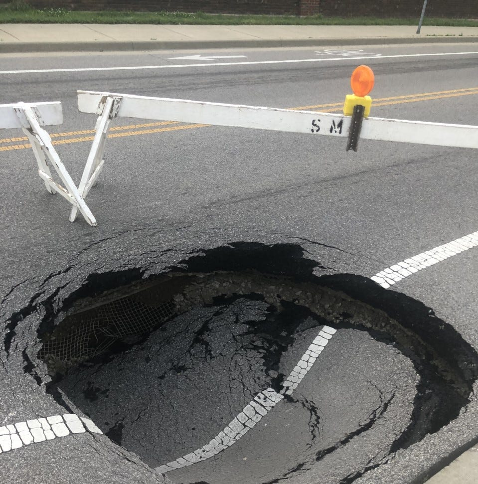Second sinkhole in as many days, traffic rerouted on Green River Road