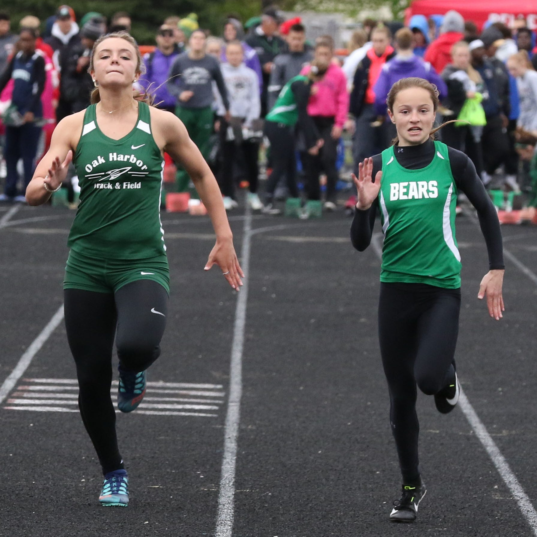 Oak Harbor girls 4x400 relay scorches district