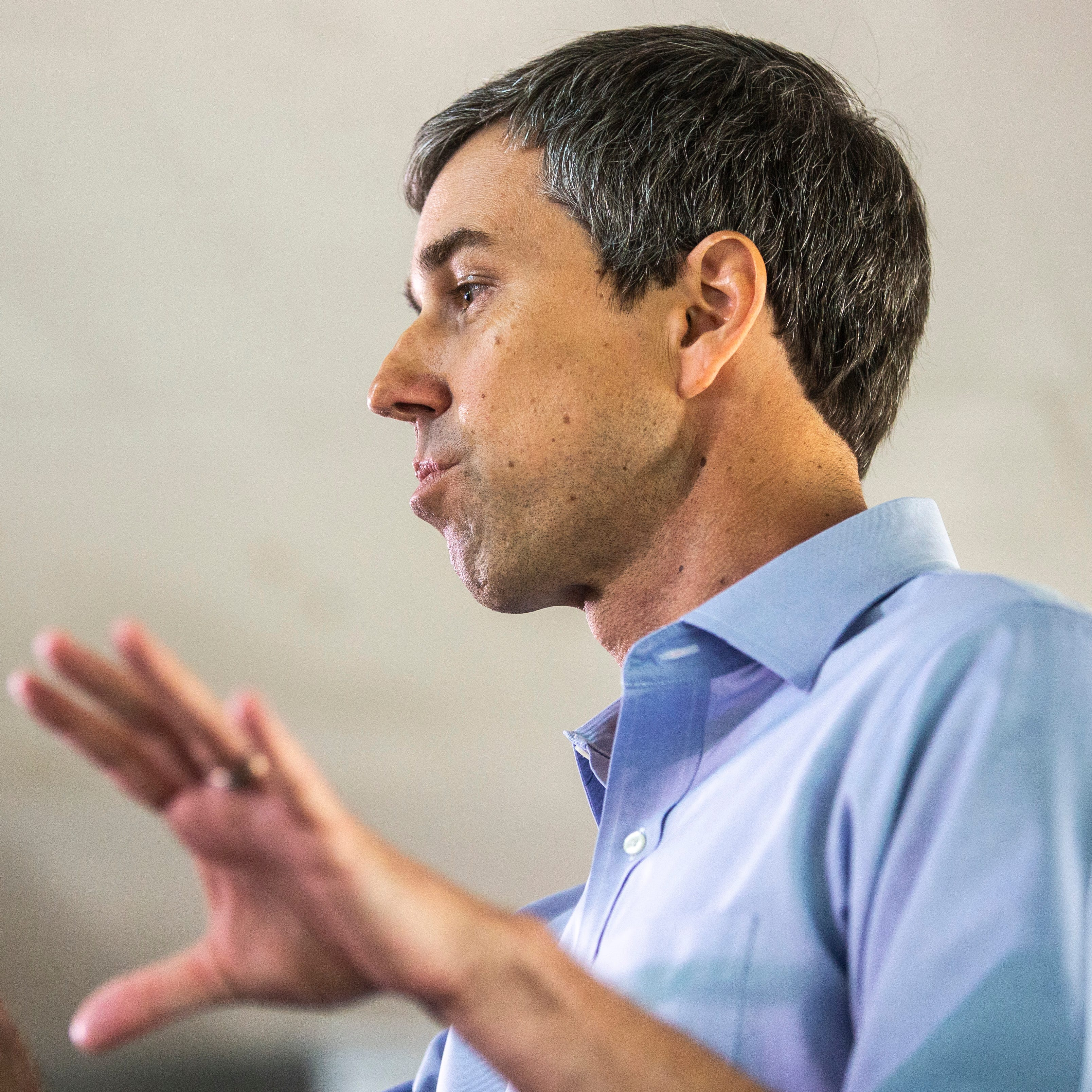 O'Rourke uses eastern Iowa stop to prep for CNN Town Hall