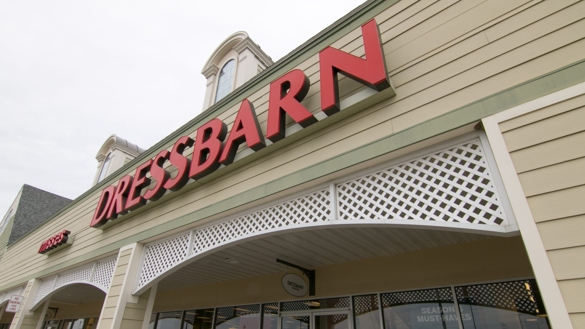 Dressbarn to close all its stores, including 9 in Arizona