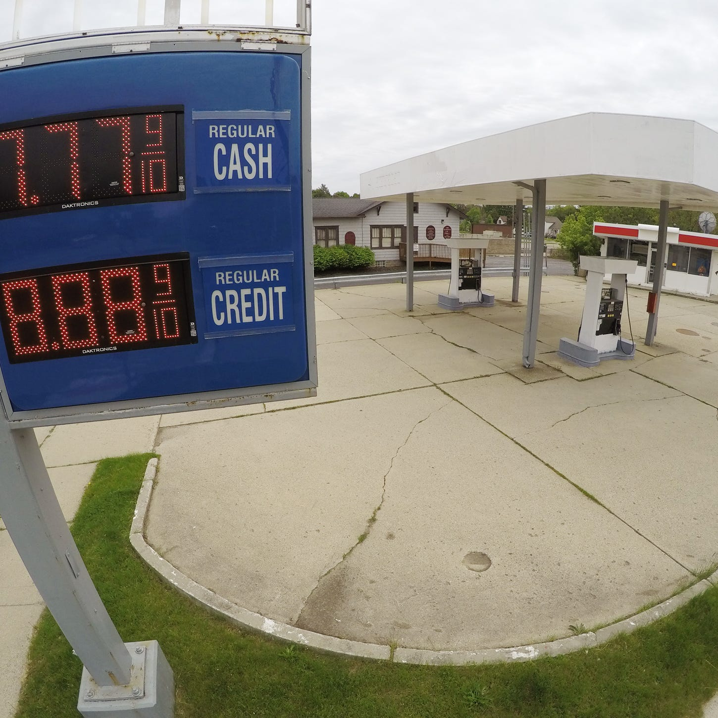 Former gas station redevelopment a go after Howell council stops dangerous building proceedings