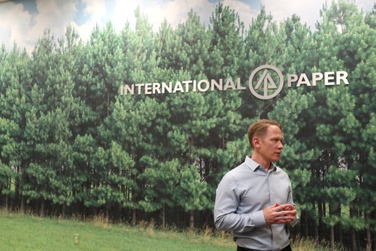 Jeff Hester manager of value added services speaks to the CA from International Paper's Memphis customer commitment center on Tuesday, May 21, 2019.