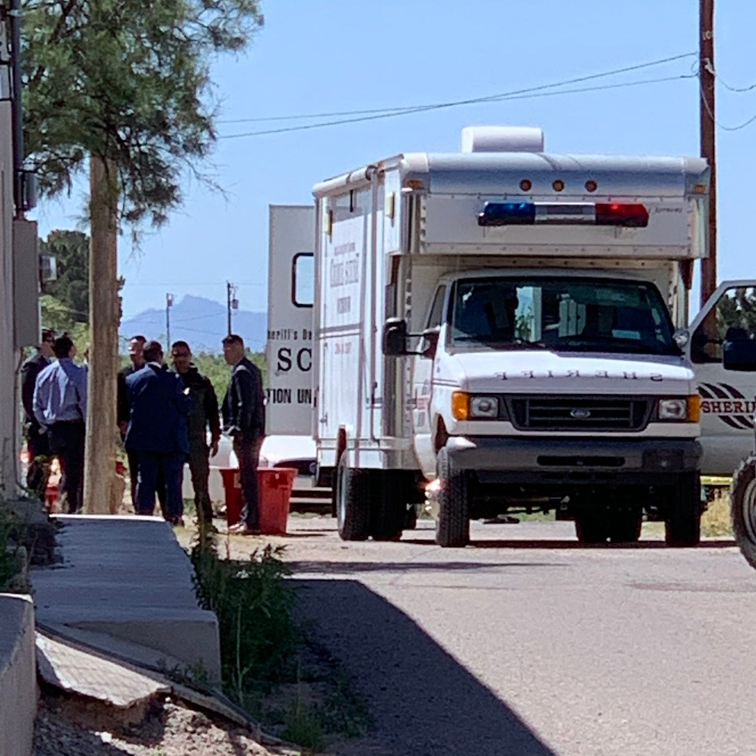 Authorities investigate possible double homicide in Doña Ana