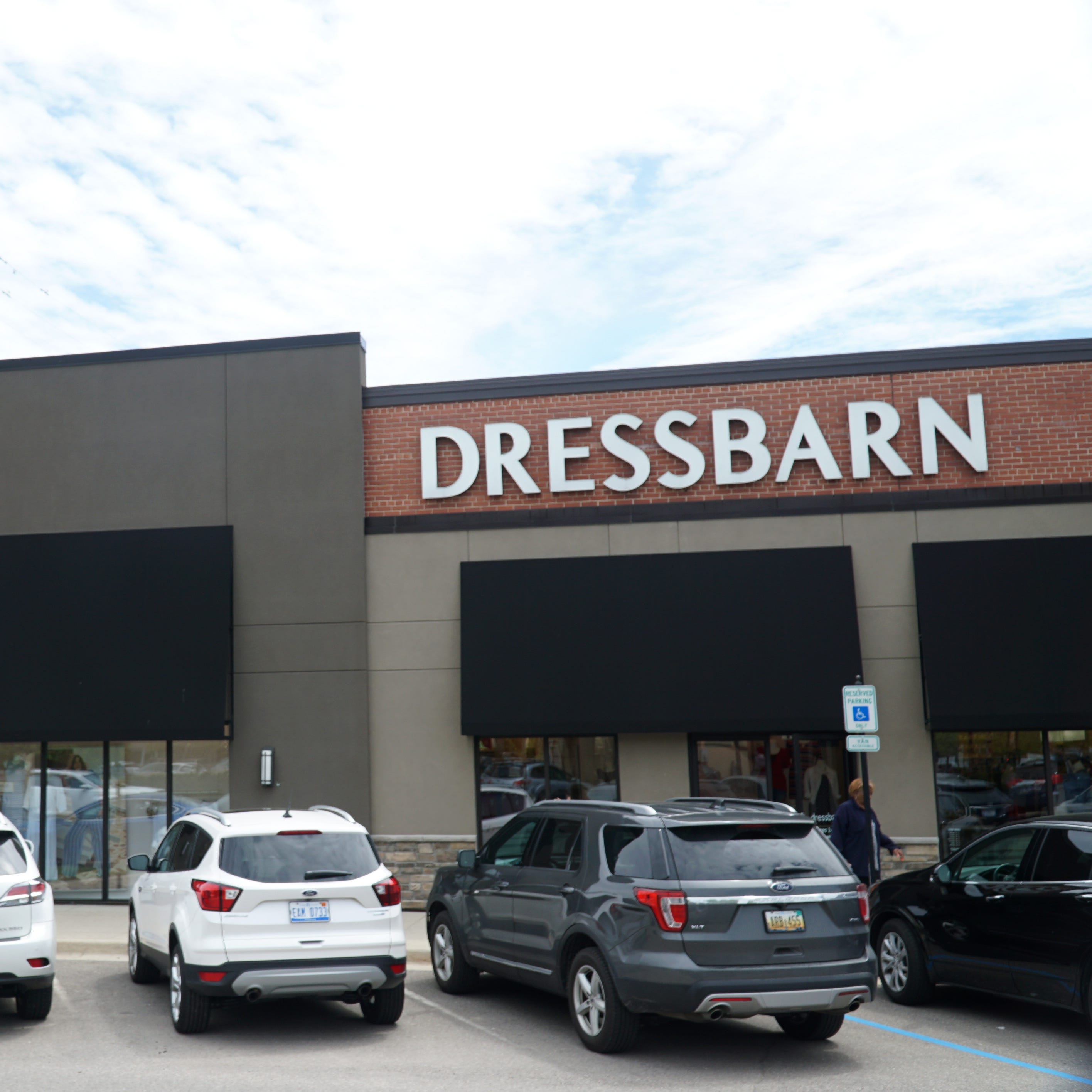 Dressbarn closing all its stores, including in Farmington, Livonia, Novi, Canton