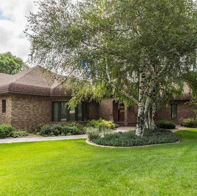 $885,000 Twin Oaks Estates home on wooded property tops metro home sales list