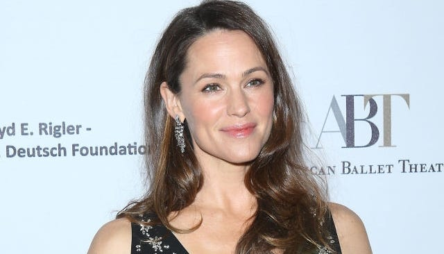 Jennifer Garner told grads to insist on one surprising goal, above money, fame, marriage