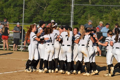 Robbinsville softball lost 3-2 in Game 3 of the 1A Western regional championship series.