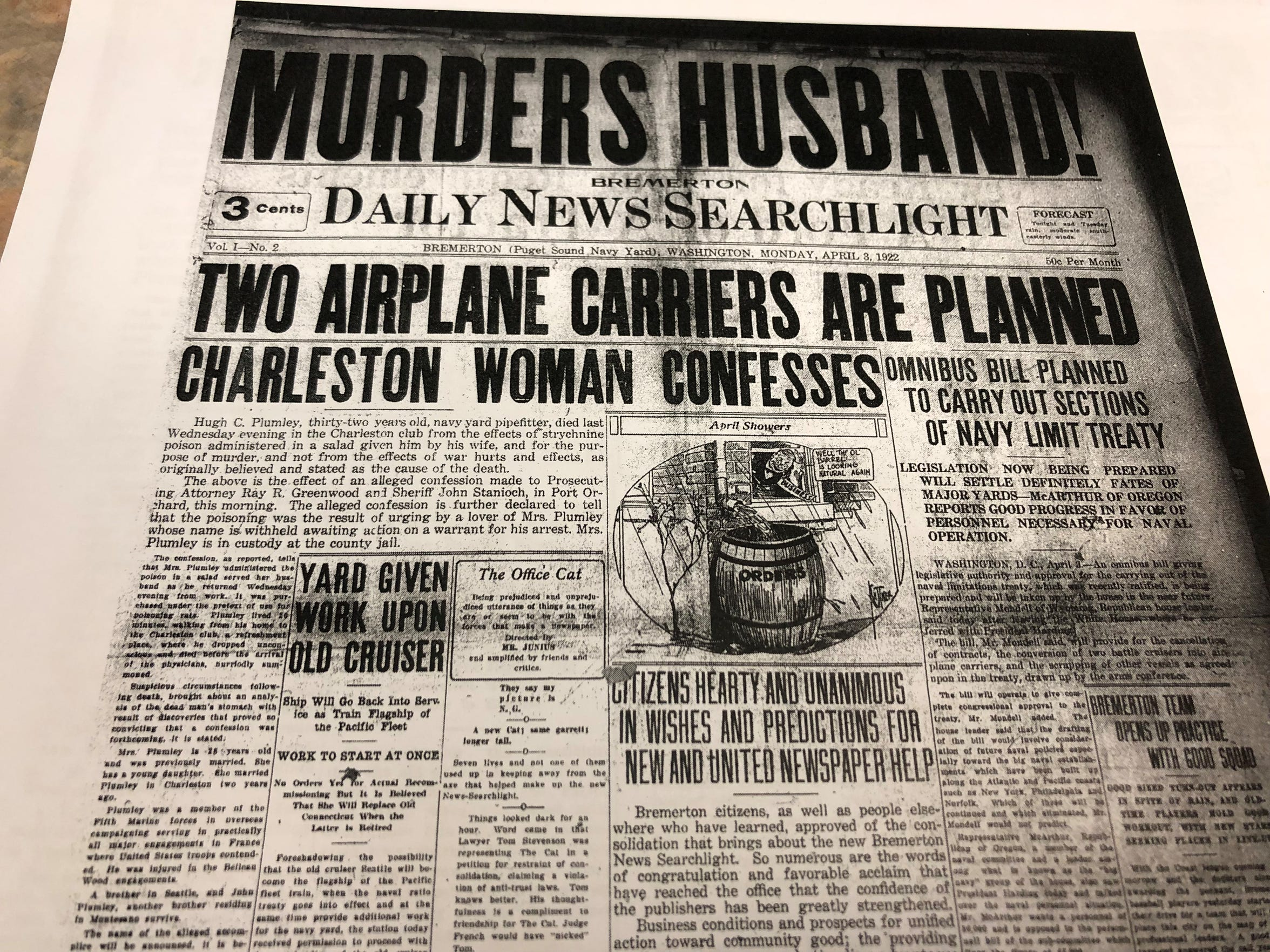 """Murders Husband!"" exclaims the Daily Record Searchlight's coverage of the poisoning death of Hugh Plumlee by his wife."