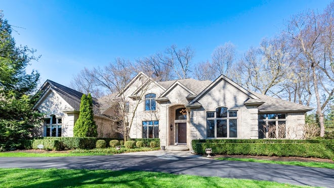 Mi Dream Home Custom Built Bloomfield Township Home Sits On Private Half Acre Lot