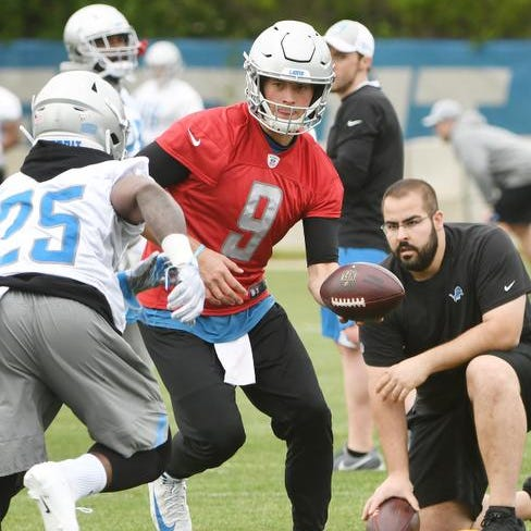 Wojo: As wife recovers, upbeat Stafford stays 'locked in'