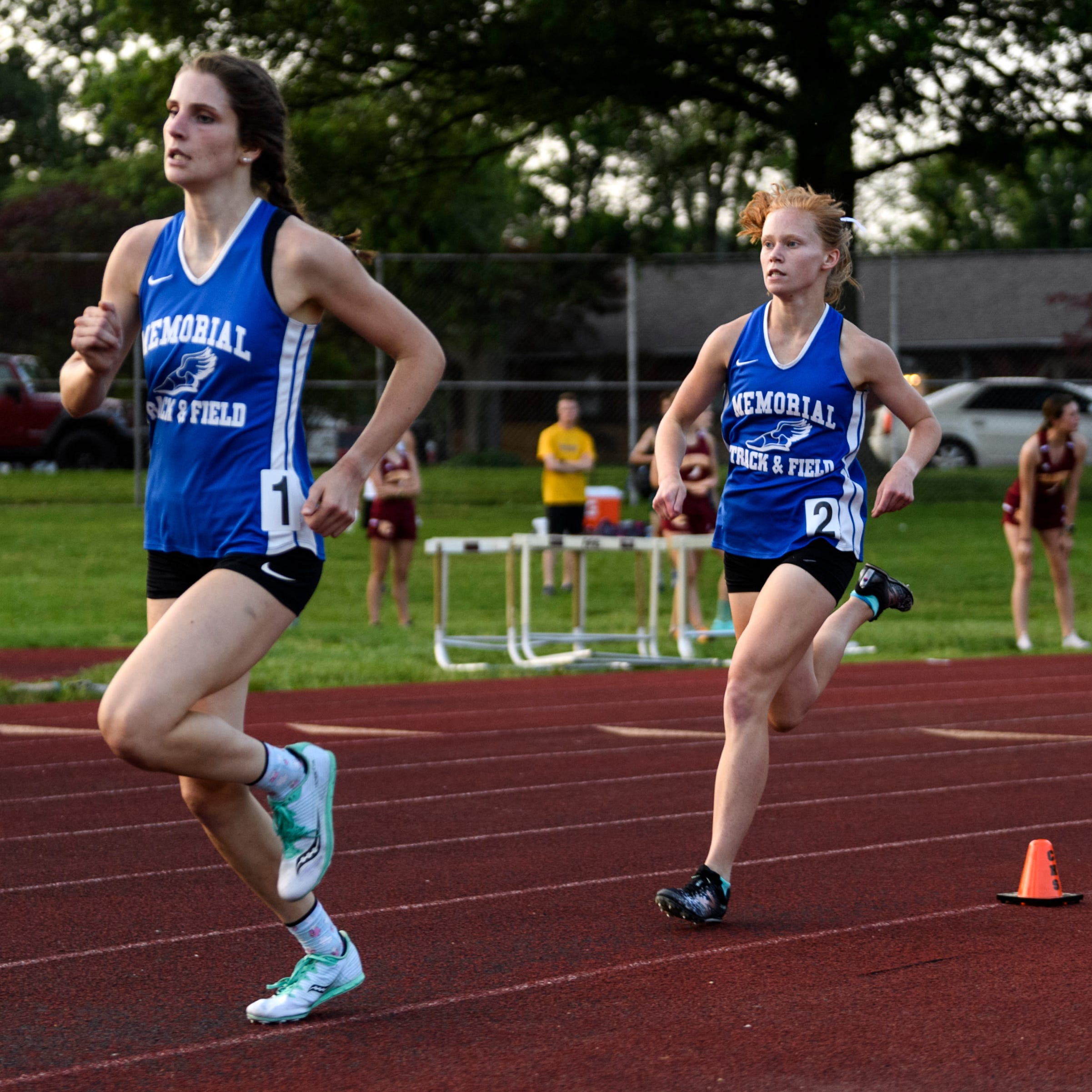Allison Morphew finds extra gear, wins 800; Memorial girls 2nd in regional