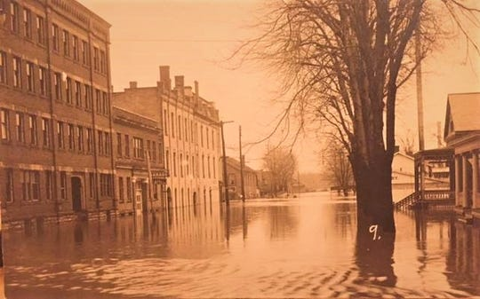 Water flooded Birchard Avenue in the 1913 flood in Fremont.