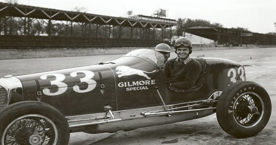 Rex Mays in his No.33 car at Indianapolis Motor Speedway in 1935.