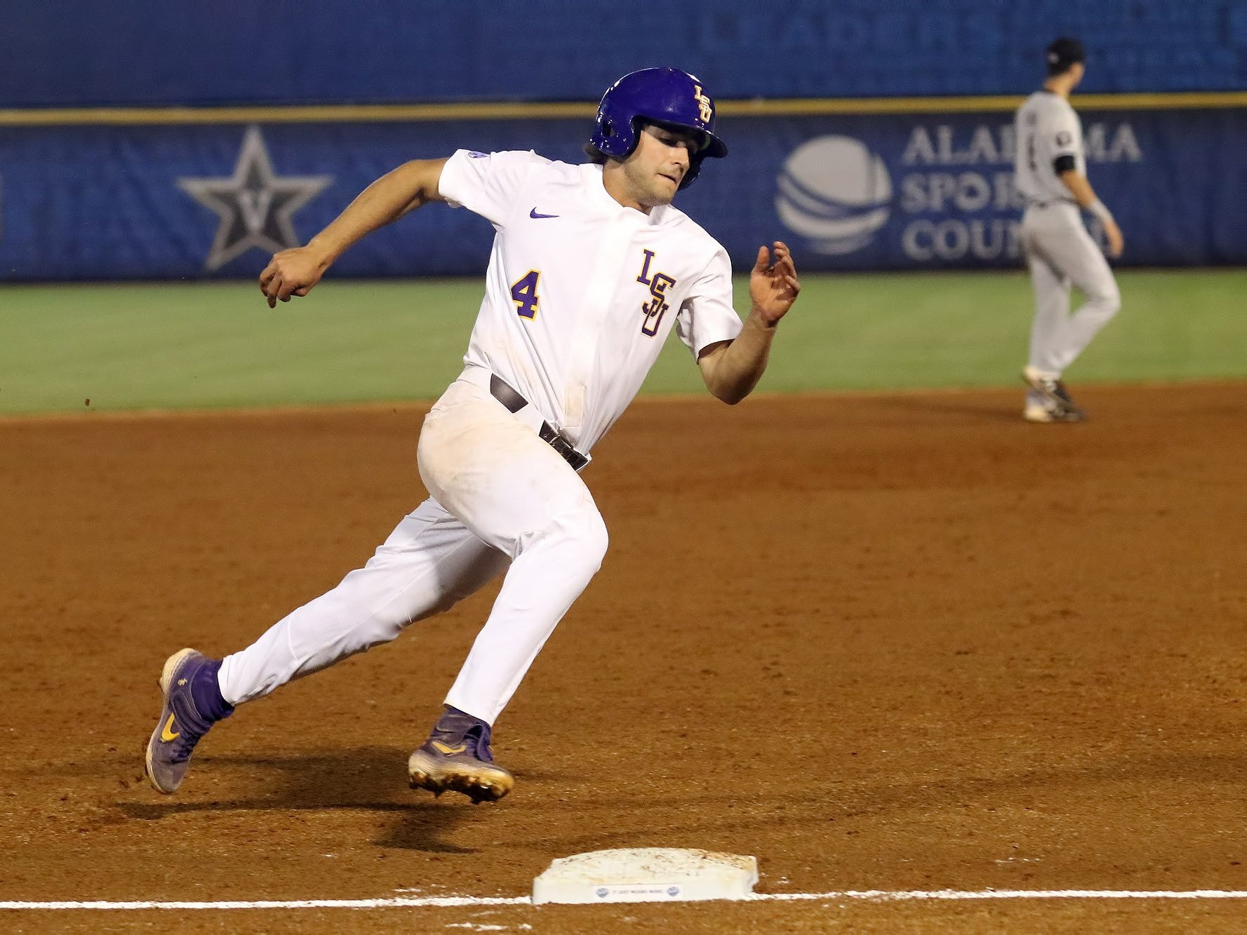 Five things to know about Mississippi State's SEC Baseball Tournament opponent: LSU Tigers