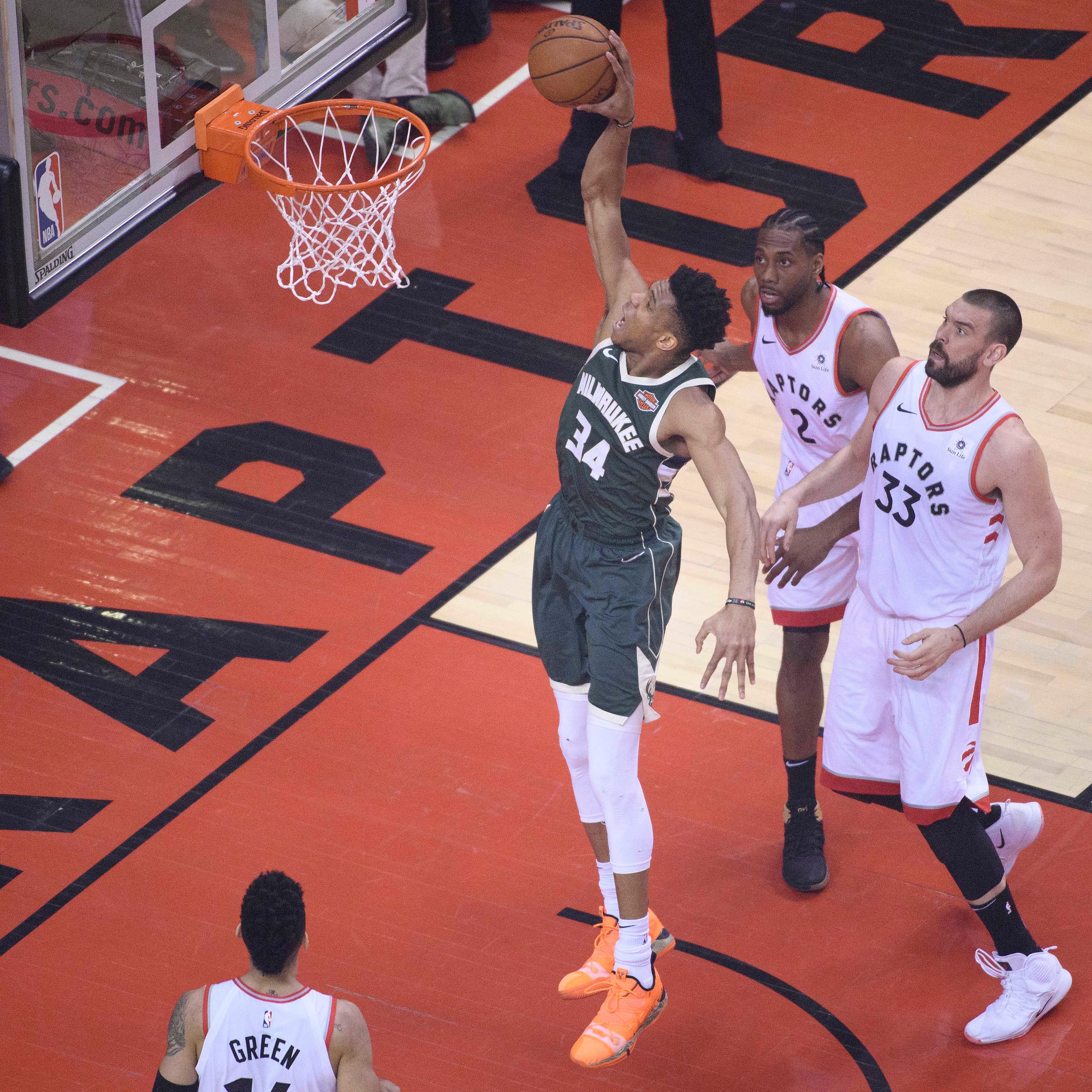 Live Coverage: Bucks-Raptors, Game 4