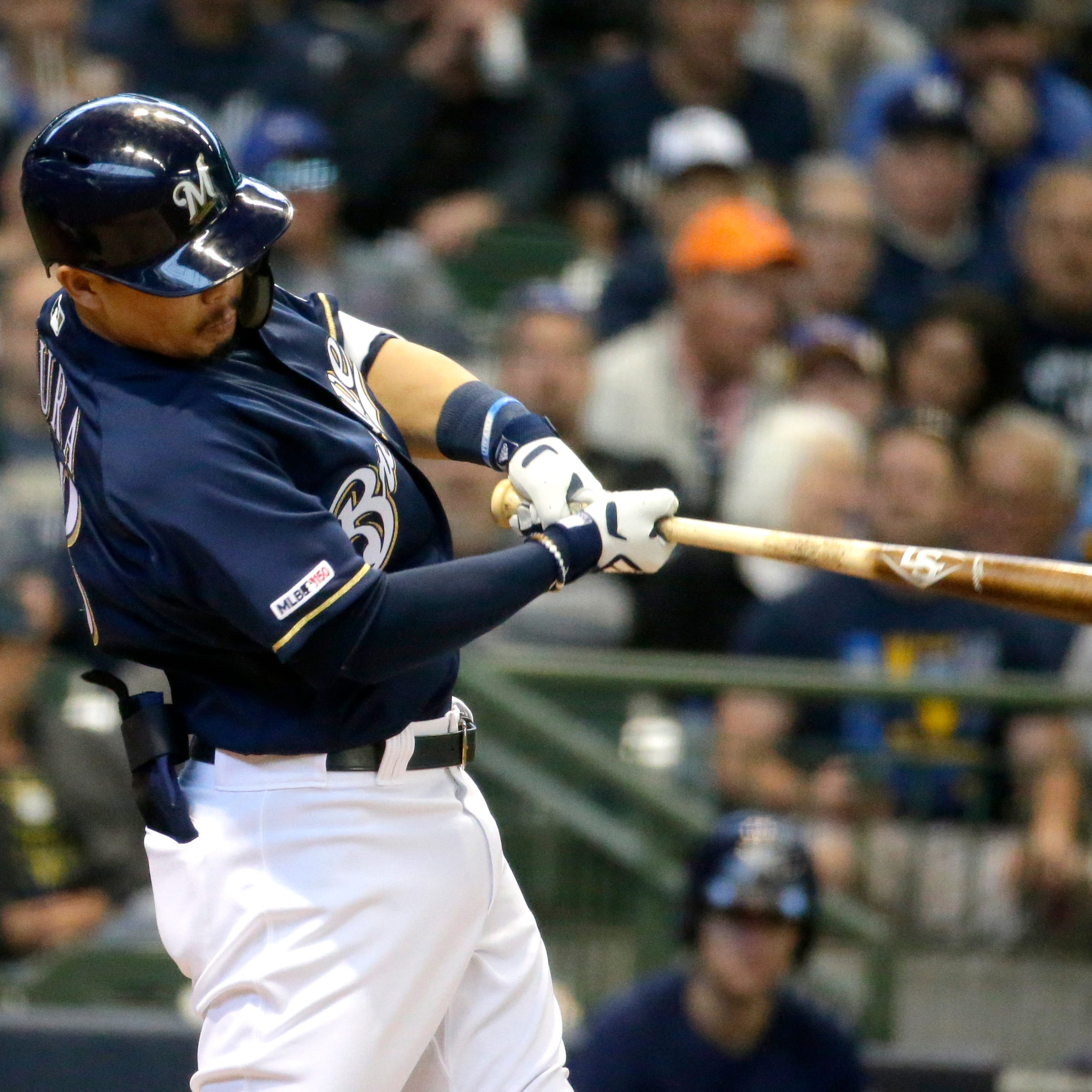 Brewers 11, Reds 9: Pitchers' duel? What pitchers duel? Hitters rule as Brewers roar back.