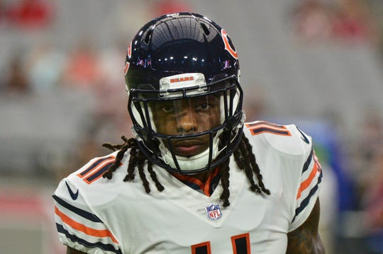 Bears receiver Kevin White (11) looks on prior to a game against the Cardinals at University of Phoenix Stadium in 2017.