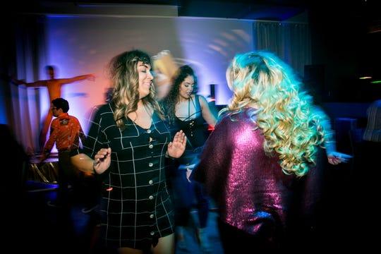 La pista de baile se abrió durante el Studio 54 Dance Party en Kobalt el 18 de mayo de 2019.