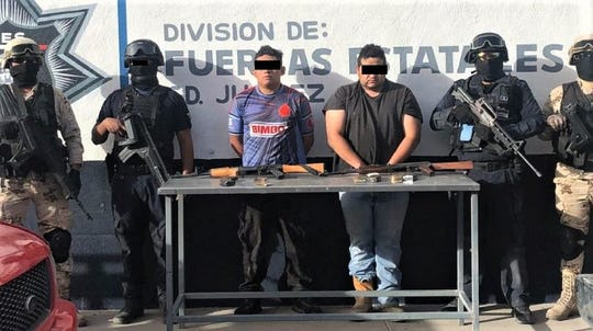 Eduardo G.R. and Amador T.A., who are suspected of being Sinaloa drug cartel gunmen, were arrested by the Mexican army and Chihuahua state police in the Valley of Juárez in Mexico.
